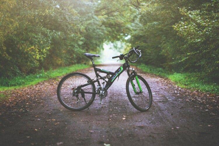 На Волині у жінки з-під носа вкрали велосипед