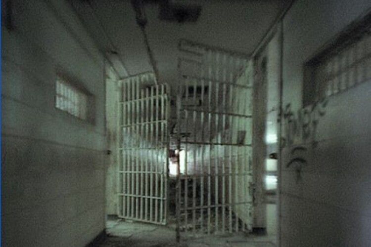 Засудили мешканця Рівненщини, що убив дідуся, який не позичив йому гроші на випивку