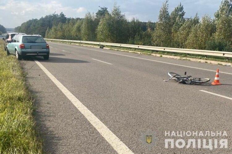 На Волині авто збило 60-річного велосипедиста