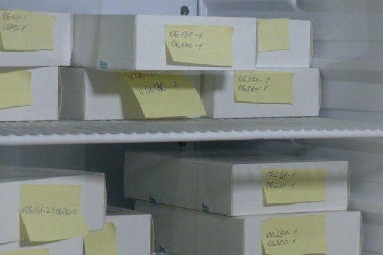 На Рівненщині випробовують китайську вакцину від COVID. Добровольцям платитимуть по 8 тисяч гривень (Відео)