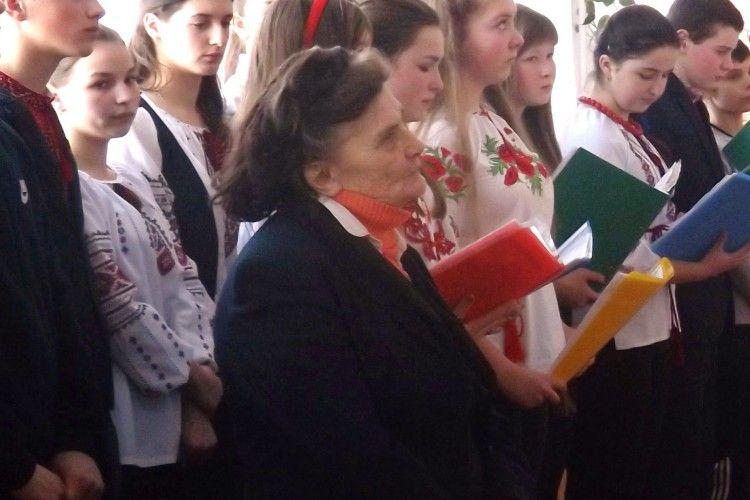Ганна Бабій 60 літ працює у школі