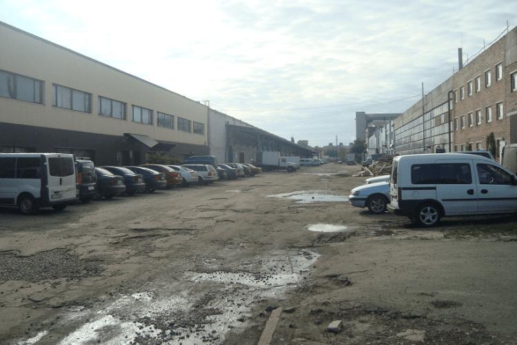 Підприємцям, які безплатно користувалися землею у Луцьку на Карбишева, доведеться заплатити