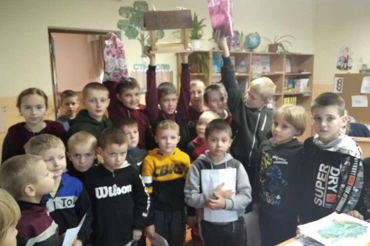 Любешівських школярів учили піклуватися про пернатих (Фото)
