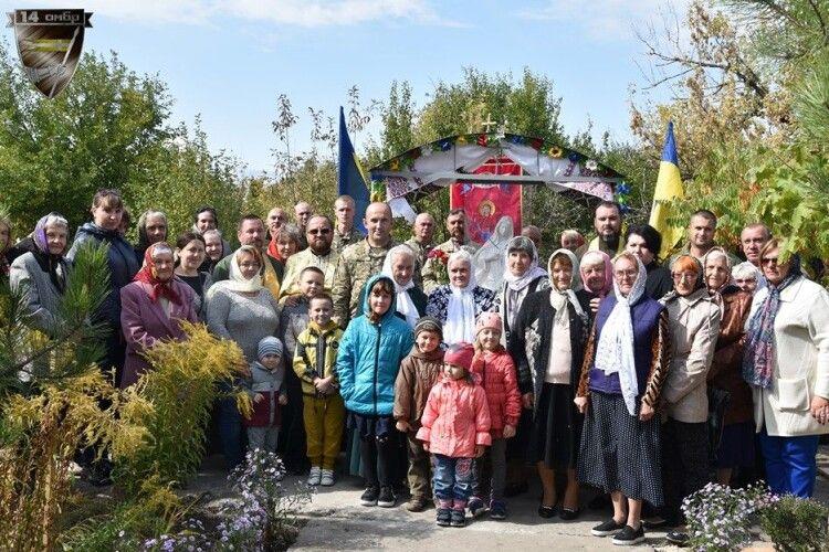 Бійці «волинської» бригади спорудили святиню неподалік лінії фронту
