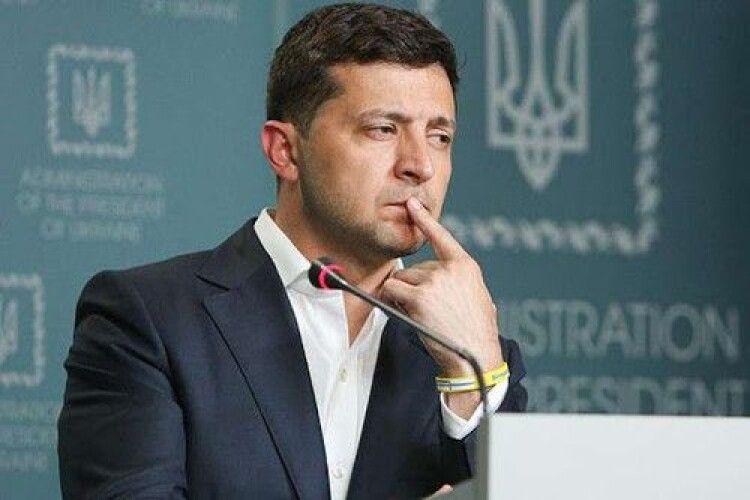 Володимир Зеленський: «Після Пасхи може бути страшна статистика, тому Великдень ми повинні зустрічати вдома»
