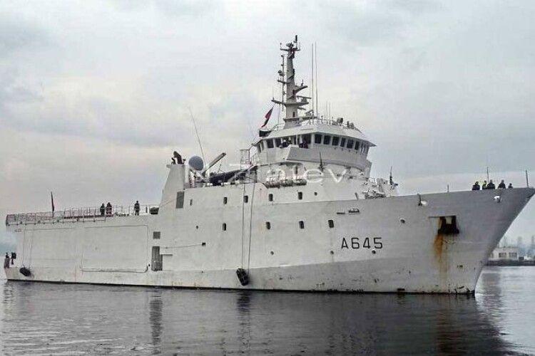 У Чорне море увійшов французький корабель-розвідник (Фото)