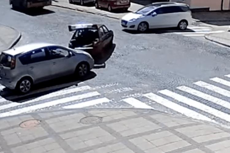 У Луцьку ДТП на перехресті – муніципальна варта (Відео)