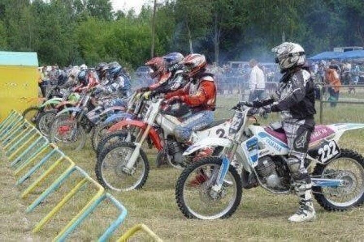 На Волині проходять міжнародні змагання з мотокросу