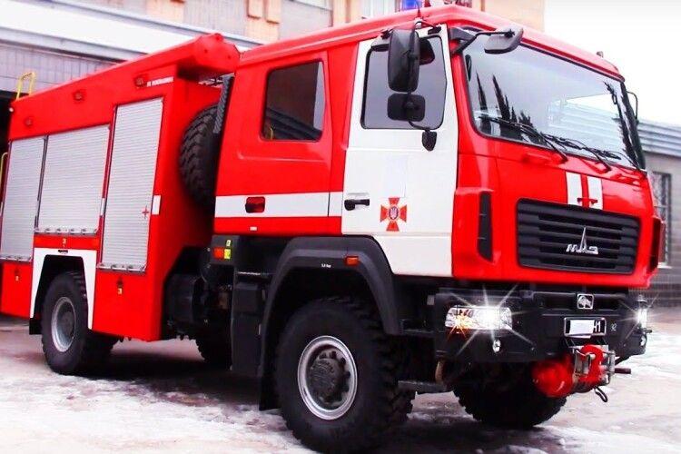 На Рівненщині пожежник одружувався під виття сирени (Відео)