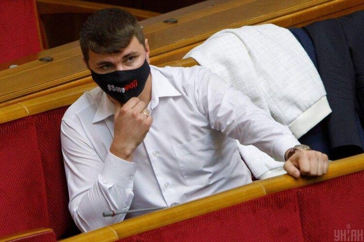 «Нудило, бився конвульсіях»: таксист розповів про останні хвилини життя депутата Полякова