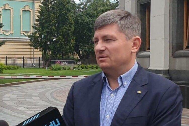 Партія Порошенка вимагає позачергової сесії через погіршення ситуації з коронавірусом – Герасимов