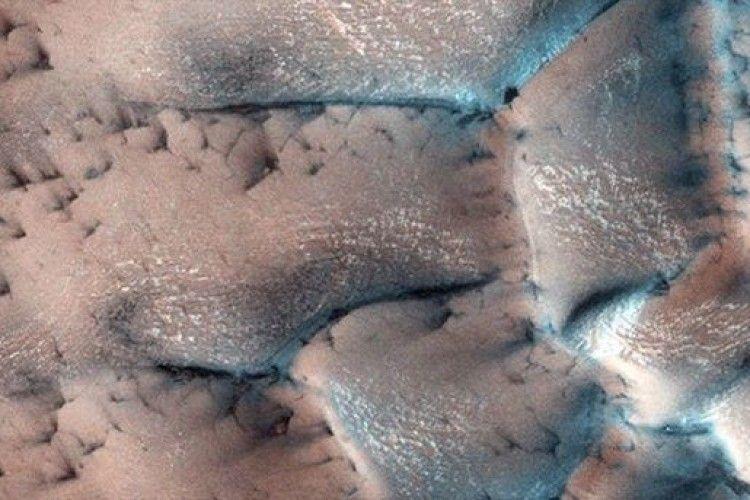 Фахівці NASA показали зиму на Марсі