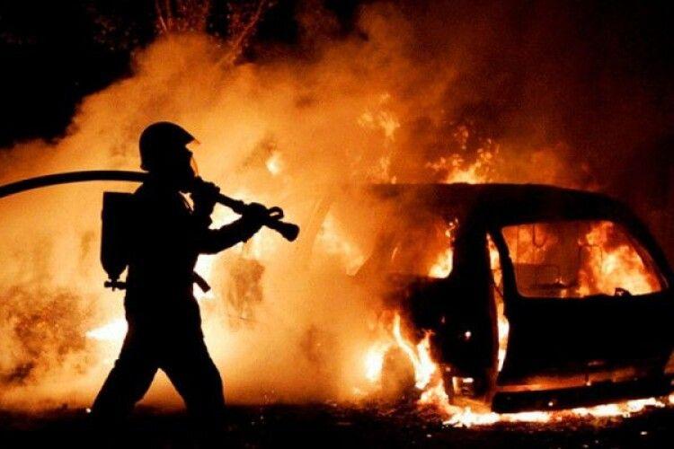 Учора на Волині згоріли два авто