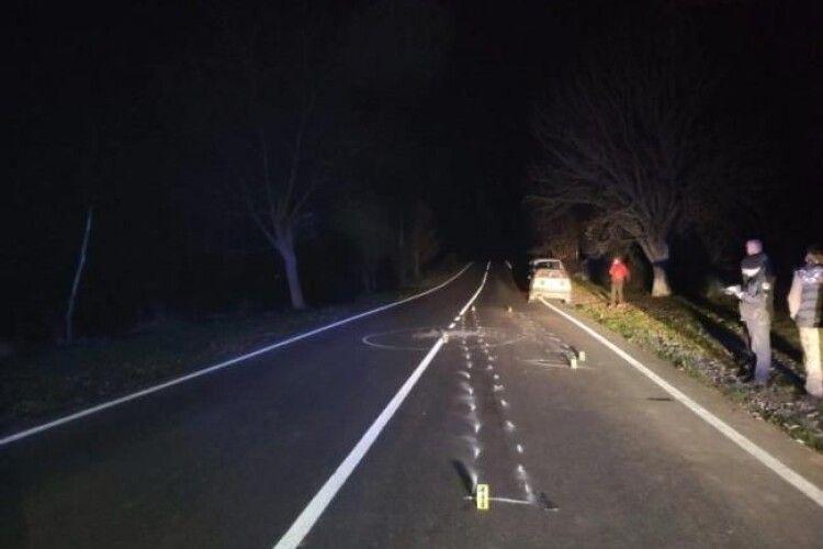 Водій маршрутки відтягував п'яного з дороги, та його все ж переїхала машина (Фото)