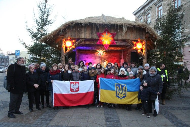 20 дітей Небесного легіону відвідали різдвяний Люблін