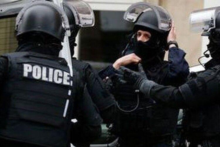 Батько одного з учнів відрізав голову вчителю: З'явились подробиці вбивства викладача у Франції