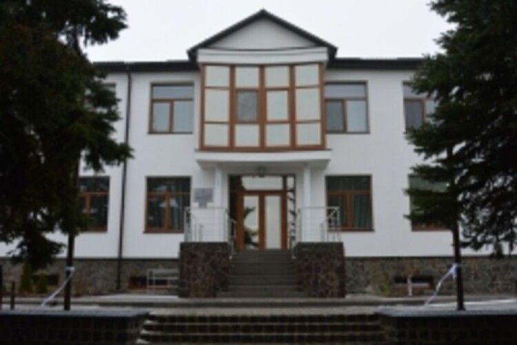У нову амбулаторію в Луцькому районі шукають лікаря