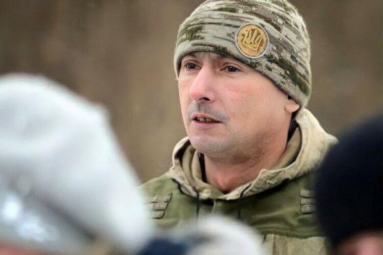 Сильно обморозив руки: волинський «кіборг» просить допомоги (Фото)