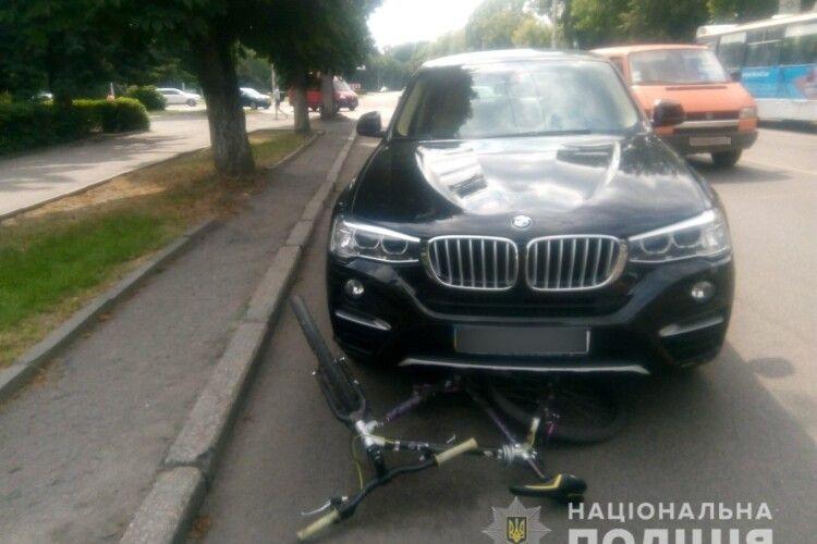 У Луцьку автомобіль збив велосипедиста, - хлопець в лікарні