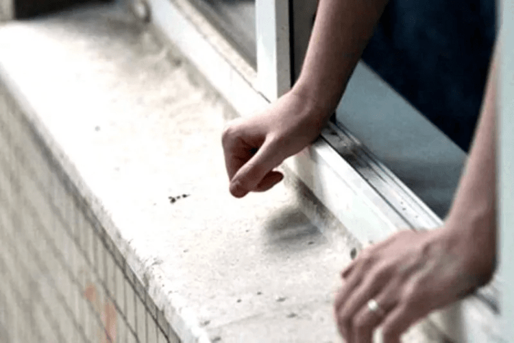 Студент у Рівному загинув, бо ховався від вахтера (Відео)