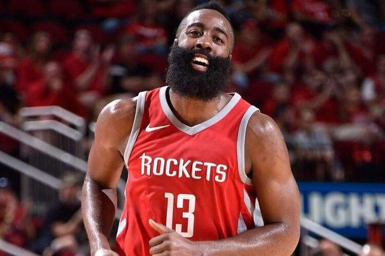 Гравець НБА віддав бідній сім'ї 10 тисяч доларів під час відпустки (Відео)