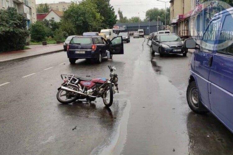 На Волині сталася ДТП за участю мотоцикліста (Фото)