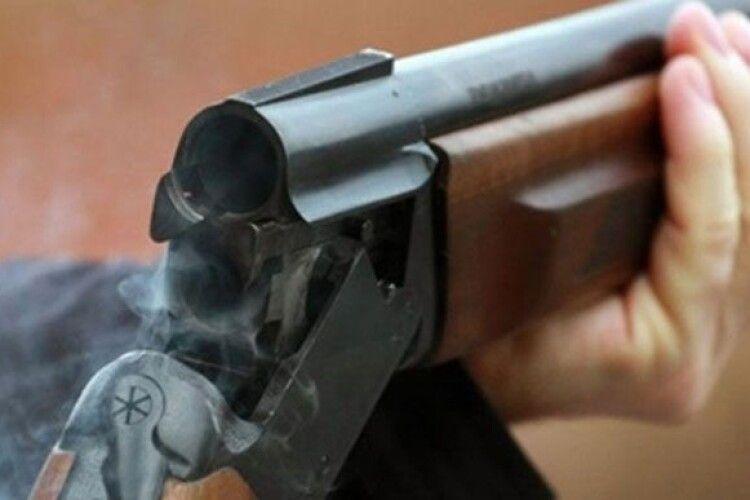 На Житомирщині чоловік розстріляв 7 друзів, з якими рибалив