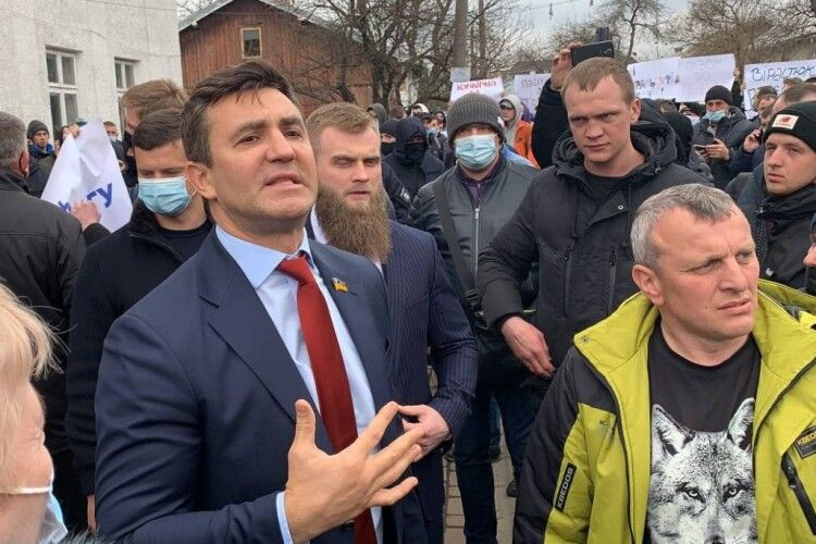 Депутат-ресторатор Тищенко намагався поставити на коліна кандидата у нардепи Шевченка