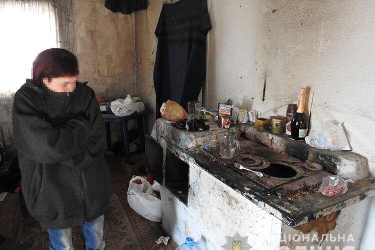 Мати пішла пити пиво: 5-місячний хлопчик замерз в будинку без світла і опалення (Фото, Відео)