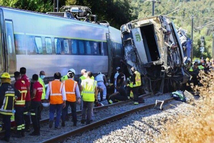 Зазнав аварії швидкісний потяг: 2 загиблих, десятки поранені
