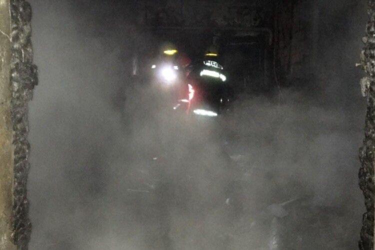 Під час нічної пожежі загинула жінка та її син (Фото)