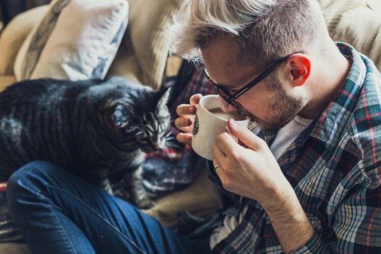 Жінок не приваблюють чоловіки, які мають котів