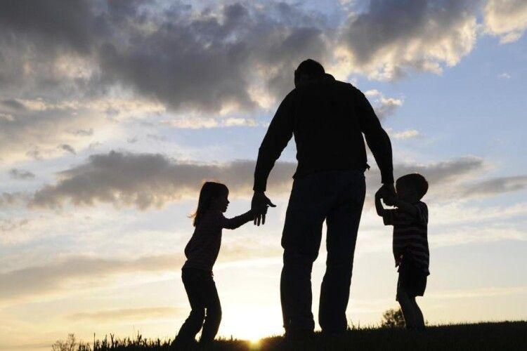 Діти незнають,що батька вже нема