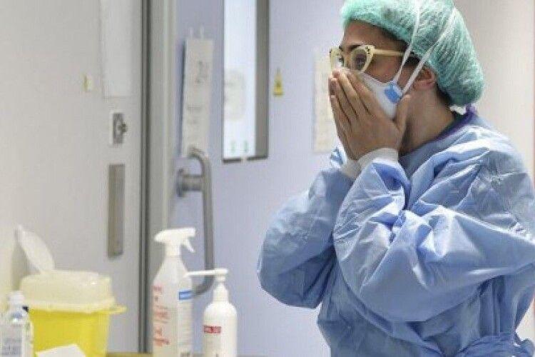 Пік захворюваності на коронавірус в Україні припаде на кінець січня і початок лютого