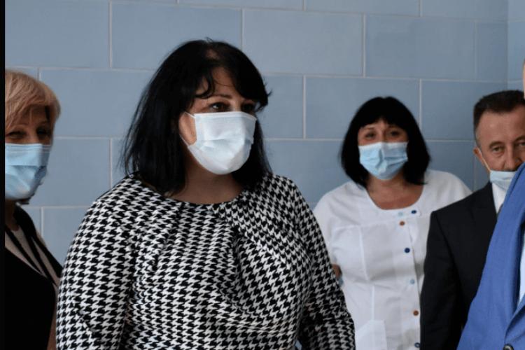 Головна лікарка райлікарні на Волині прокоментувала свою 150-тисячну зарплату