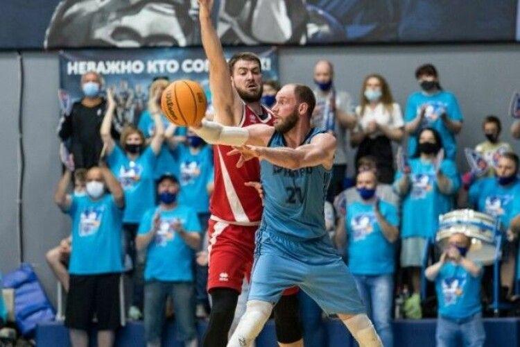 Баскетбол: Дніпро виграв у Прометея в першому матчі півфінальної серії Суперліги (Відео)