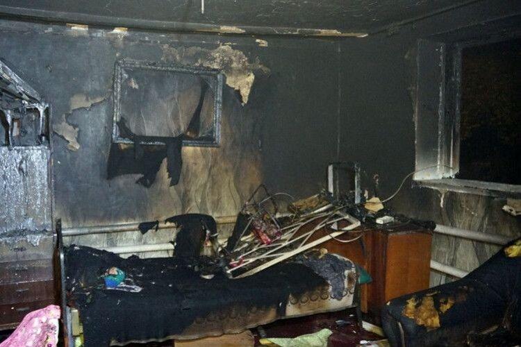 Поки мати була в магазині, її троє маленьких дітей згоріли заживо: подробиці трагедії (Відео)