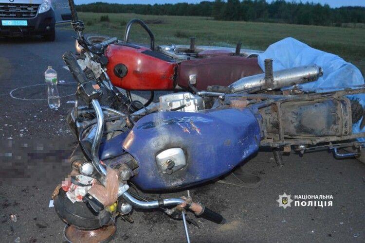 Волинська поліція з'ясовує обставини смертельного зіткнення двох мотоциклів