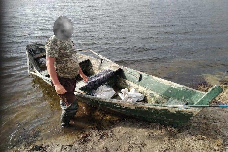 Під час рейду на шацькі озера рибпатрульними попереджено збитків на майже 3 тисячі гривень (Фото)