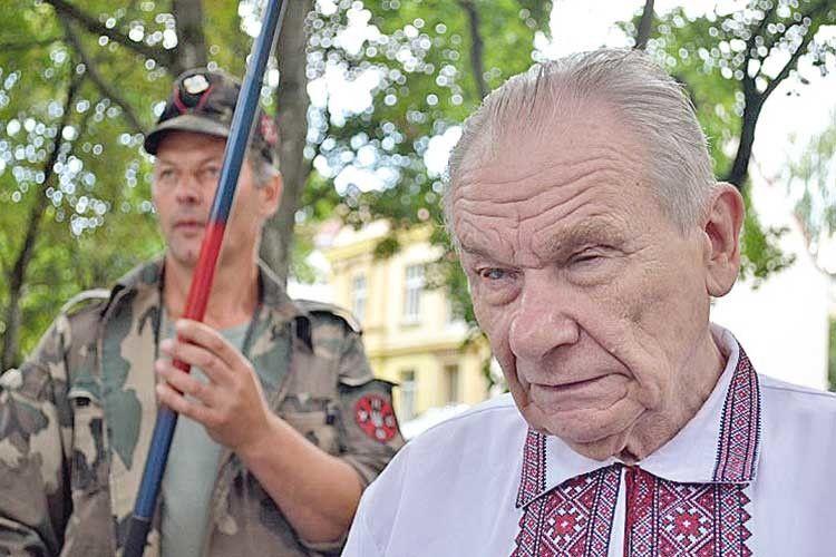 На виборах 2019–го Західна Україна обиратиме Порошенка