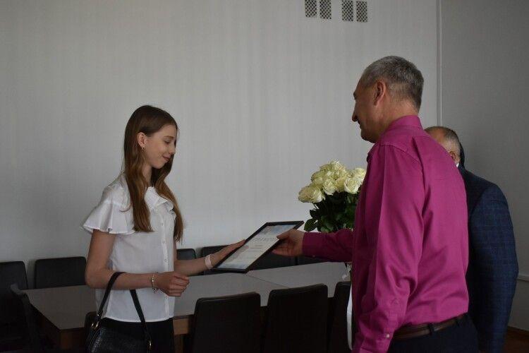 У Волинській ОДА нагородили 16-річну гімнастку