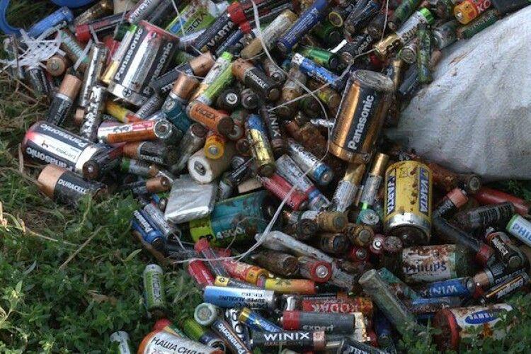 Півтори тонни батарейок з Рівного відправлять на утилізацію в Польщу