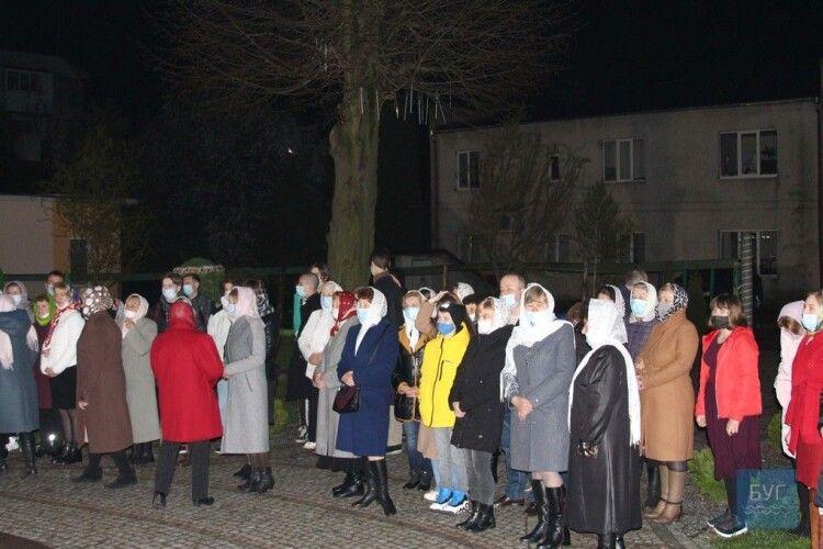 Як минула Великодня ніч у храмах Володимира (Фото)