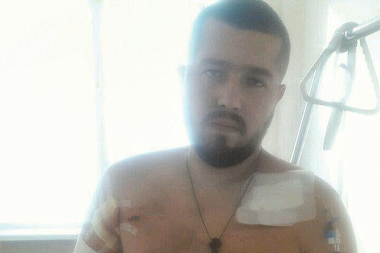 Три кулі російського снайпера  влучили в Олександра Рибака