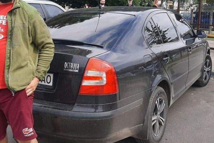 У Луцьку водій погрожував муніципалам, вгамовували поліцейські