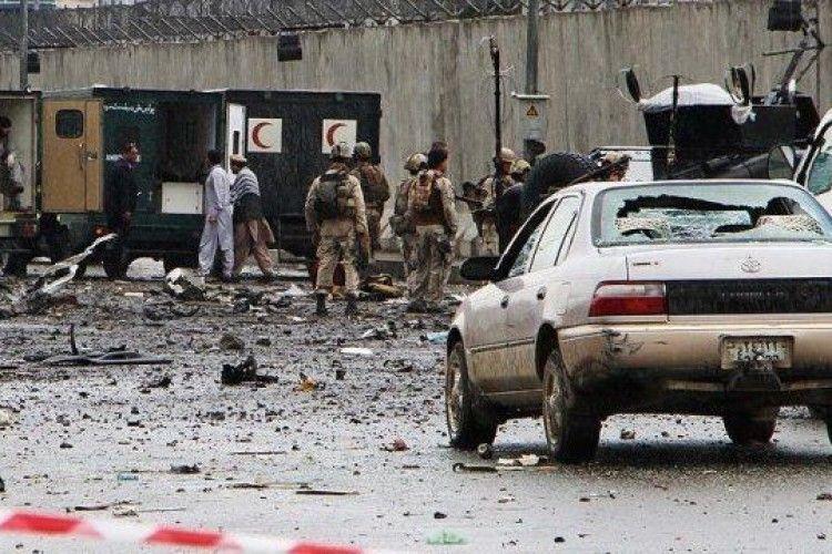 В Афганістані смертник на замінованому авто в'їхав у відділок поліції, є жертви