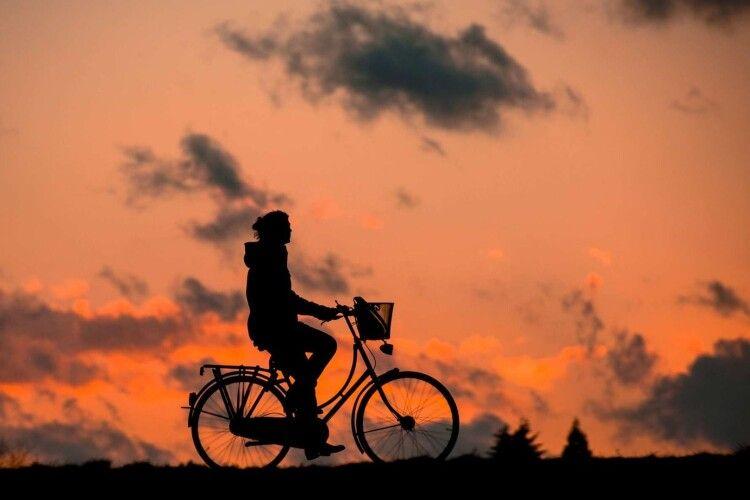 Молодий горохівчанин ледь не розбився на велосипеді, коли з'їжджав з гори