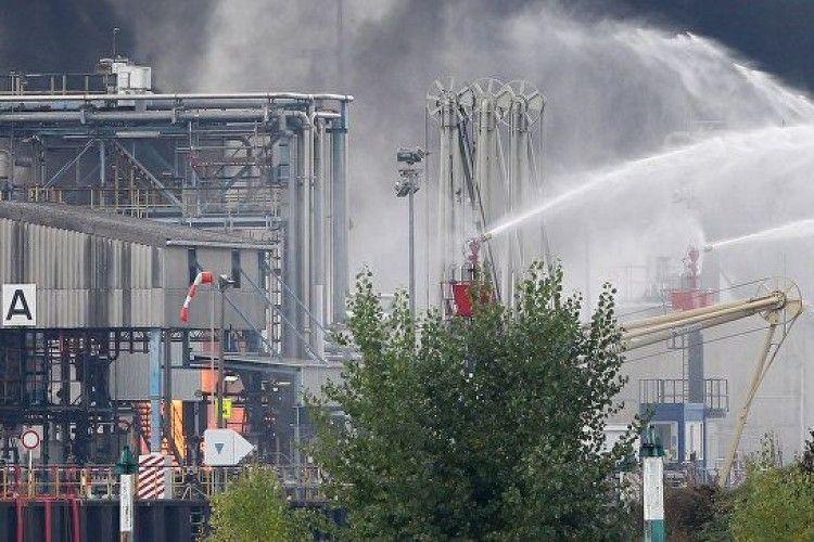 У Венесуелі загорівся найбільший нафтопереробний завод країни