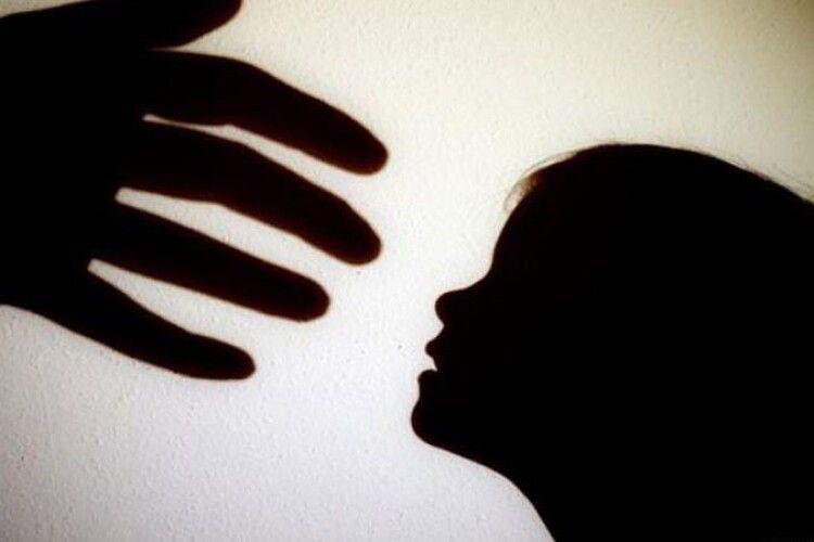 Чоловік зґвалтував свою 12-річну доньку