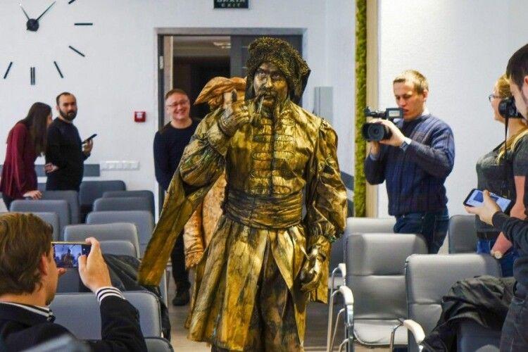 В Івано-Франківську оживуть скульптури (ВІДЕО)